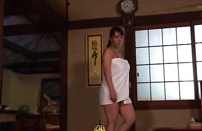 Ryoko Murakami Japanese milf knows how to give a hardcore blowjob