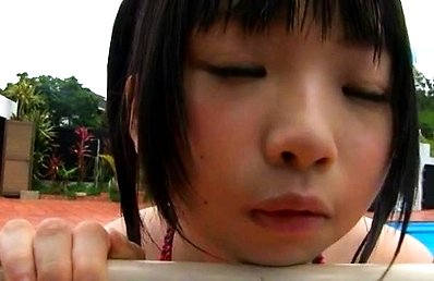 Yuihara Hinase Asian in bath suit is in the mood to play outdoor