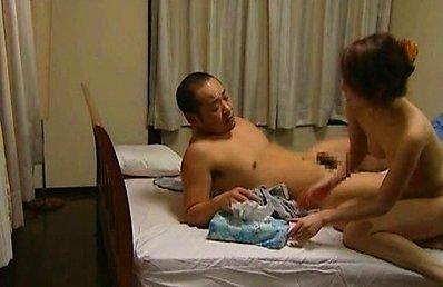 Japanese AV Model says goodbye to clothes to ride man phallus