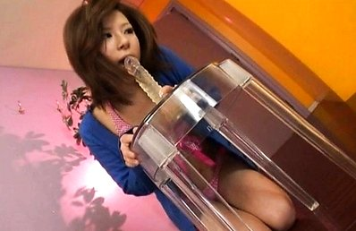 Amu Kosaka sucks a sex toy with her soft lips and deep throat